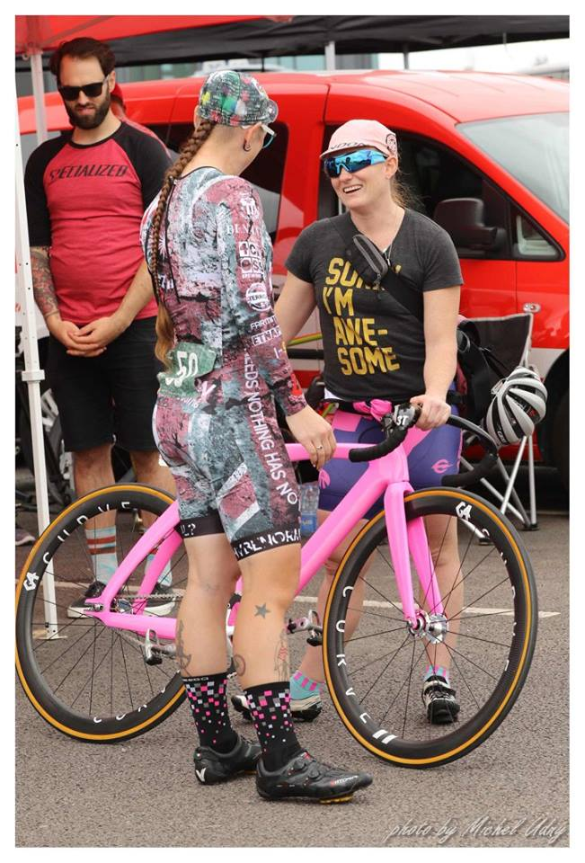 red-hook-crit-curve-wheels-lizanne-wilmot-leana-kate-james